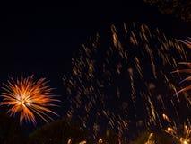 Groot kleurrijk vuurwerk Stock Afbeeldingen