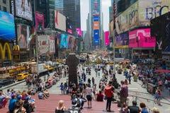 Groot menigte af en toe Vierkant, New York Royalty-vrije Stock Afbeeldingen