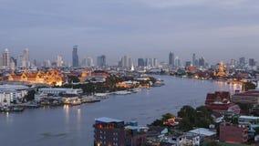 Groot Paleis met de Chaophraya-rivier Royalty-vrije Stock Afbeeldingen