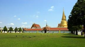 Groot paleis in Thailand Stock Foto's