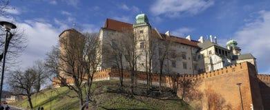 Groot panorama van Wawel-Kasteel Kasteel dat in centraal Krakau wordt gevestigd stock afbeeldingen