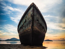 Groot Rusty Boat Stock Afbeeldingen