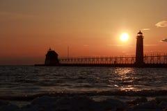 Groot Toevluchtsoord lightouse bij zonsondergang stock foto