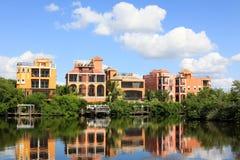 Groot tropisch huis in Florida Stock Foto