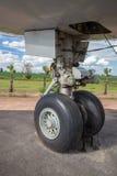 Groot vliegtuigwielen en landingsgestel Royalty-vrije Stock Foto