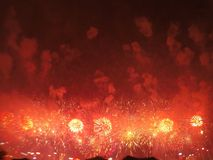 groot vuurwerk in Hongkong door de Victoria-baai royalty-vrije stock foto