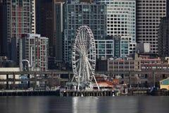 Groot Wiel op Waterkant, Seattle, Washington Royalty-vrije Stock Foto's