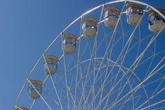 Groot Wiel tegen blauwe Hemel Royalty-vrije Stock Foto