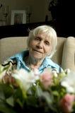 Grootmoeder als weduwe stock foto's