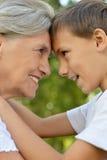 Grootmoeder en jongen royalty-vrije stock afbeelding