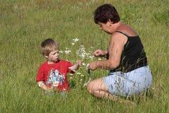 Grootmoeder en kleinzoon Stock Fotografie