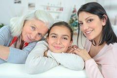 Grootmoeder met dochter en kleindochter royalty-vrije stock foto