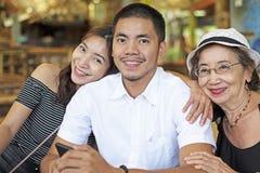 Grootmoeder met kleinkinderen royalty-vrije stock afbeeldingen