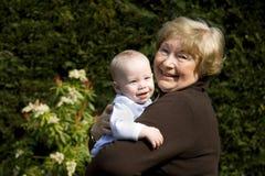 Grootmoeder met Kleinzoon Royalty-vrije Stock Foto's