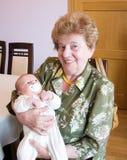 Grootmoeder met kleinzoon royalty-vrije stock fotografie