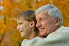 Grootouder en jong geitje royalty-vrije stock foto's