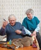 Grootouder en konijn Royalty-vrije Stock Fotografie