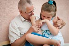 Grootouder met kleinkind stock afbeeldingen