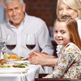Grootouders met kleinkind Royalty-vrije Stock Fotografie