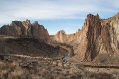 Grootsheid van de Hoge Woestijn in Smith Rock State Park stock fotografie