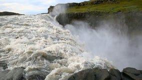 Grootst in de waterval Dettifoss van Europa met rivier, IJsland stock footage