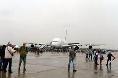 Grootste de passagierslijnvliegtuig a-380 van de wereld bij maks-2013 Royalty-vrije Stock Afbeeldingen