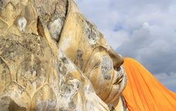 Grootste doende leunen Boedha in de eilandstad van Ayutthaya Royalty-vrije Stock Foto