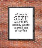 Groottekwesties en koffie in omlijsting worden geschreven die Royalty-vrije Stock Foto's