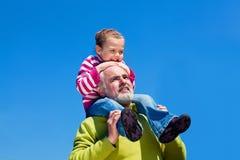 Grootvader en grandaugther Stock Foto