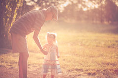 Grootvader en kleinkind Royalty-vrije Stock Foto's