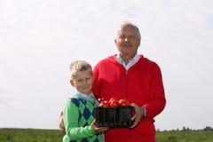Grootvader en kleinzoon Royalty-vrije Stock Afbeeldingen