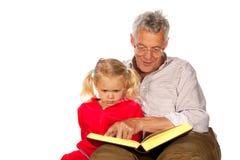 Grootvader met zijn kleinkind Royalty-vrije Stock Afbeeldingen