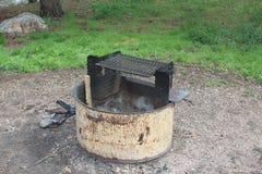 Grop för campingplatsbrand Royaltyfri Foto