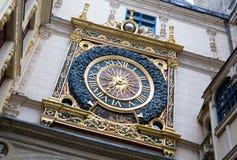 Gros horloge, Rouen, Frankrike Arkivfoto