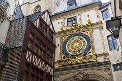 Gros Horloge viejo famoso de los relojes fotos de archivo libres de regalías