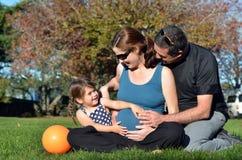 Grossesse - famille de femme enceinte Photo libre de droits