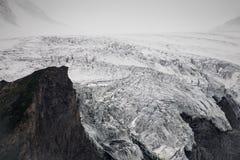 Grossglockner ?sterrikisk glaci?r i hj?rtan av den Hohe Tauern nationalparken royaltyfria bilder