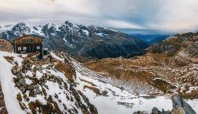 Grossglockner-Gebirgszug in Österreich in der Dämmerung Stockbilder