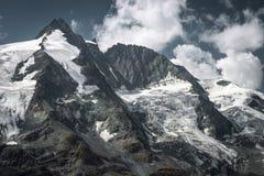 Grossglockner toppmöte i österrikiska fjällängar Royaltyfri Bild