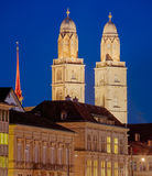 Grossmunster大教堂的塔在苏黎世, HDR 图库摄影