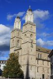 Grossmunster domkyrka i Zurich Schweiz Arkivbilder