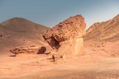 Grote aardarchitect en scheppers Bouwzeezand en bergen royalty-vrije stock foto's