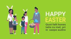 Grote Afrikaanse Amerikaanse Familie op Gelukkige Pasen-Affiche met Exemplaar Ruimteouders en Kinderen die de Slijtage van de de  Stock Afbeeldingen