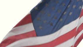 Grote Amerikaanse vlag op vlaggestok Close-up stock video