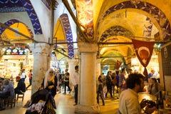 Grote bazaarwinkels in Istanboel royalty-vrije stock foto's
