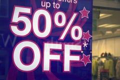 Grote besparingen bij het winkelen Stock Afbeeldingen
