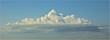 Grote blauwe hemel royalty-vrije stock fotografie