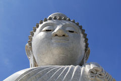 Grote Boedha phuket en blauwe hemel Royalty-vrije Stock Foto's