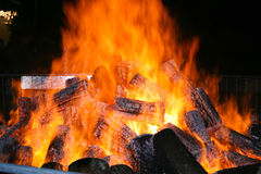 Grote brand tijdens een festival in Gadoni centrale Sardinige - Decemb royalty-vrije stock afbeeldingen