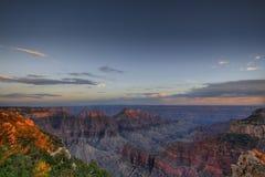 Grote Canion bij zonsondergang Stock Afbeeldingen